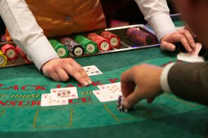 Señales de mano en blackjack: su significado